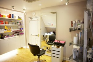 Beauty Be Mine Make-up Station - Photo