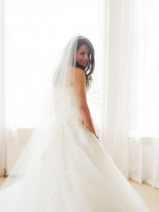 Bride in wedding dress - PHOTO
