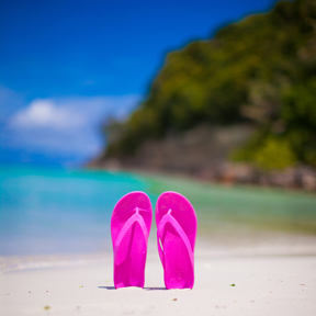 PHOTO - Pink Flip Flops on Beach
